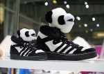 jeremy-scott-adidas-originals-panda-03